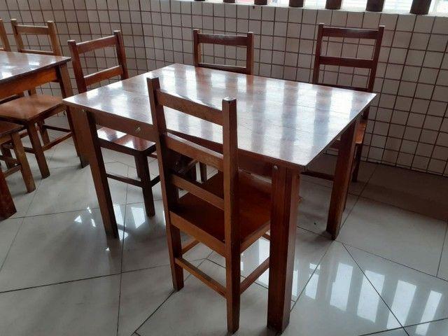 Conjunto mesa madeira com 4 cadeiras