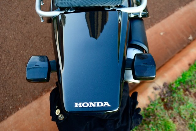 Honda Tornado Preta Perolizado  - Foto 6