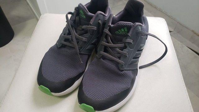 Tênis Adidas - tam.35