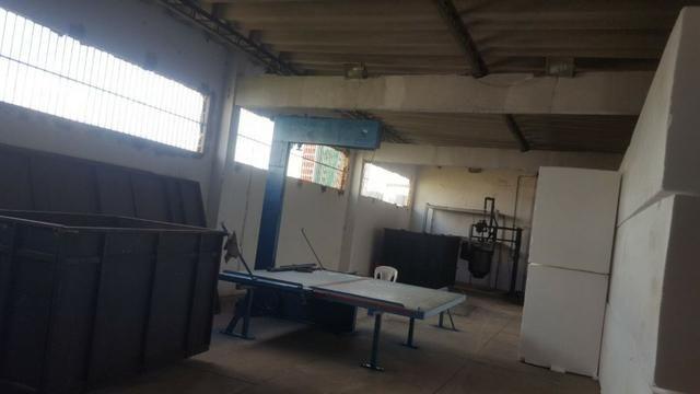 CÓD.:000-894 Excelente galpão escriturado medindo 800 m², na Av. Contorno R$ 1,5 - Foto 4