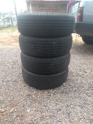 Vendo 4 pneus novos 215/65/16