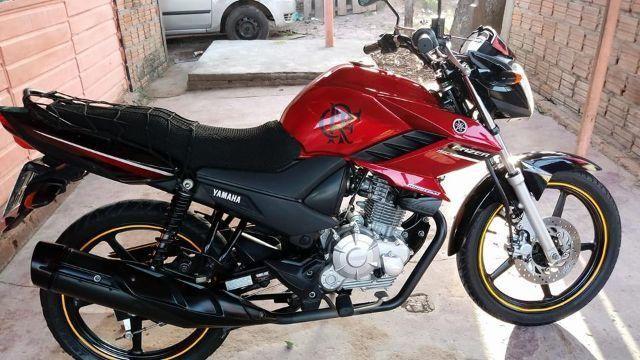 Vendo ou troco por carro Yamaha Fazer 150cc