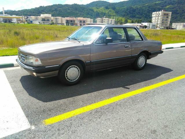 Vendo Ford Del Rey 1.6 CHT1985 guia