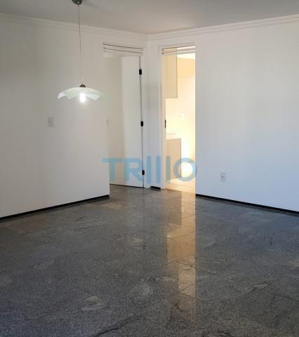 Edifício Florinda Barreira - Apartamento á Venda com 3 quartos, 3 vagas, 150.00m² (AP0086)