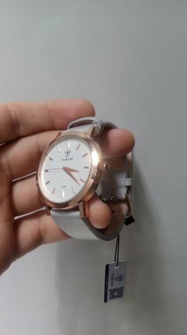 b3aa57b9077 Relógio Feminino Tuguir Analógico 5442L Dourado e Branco Novo ...
