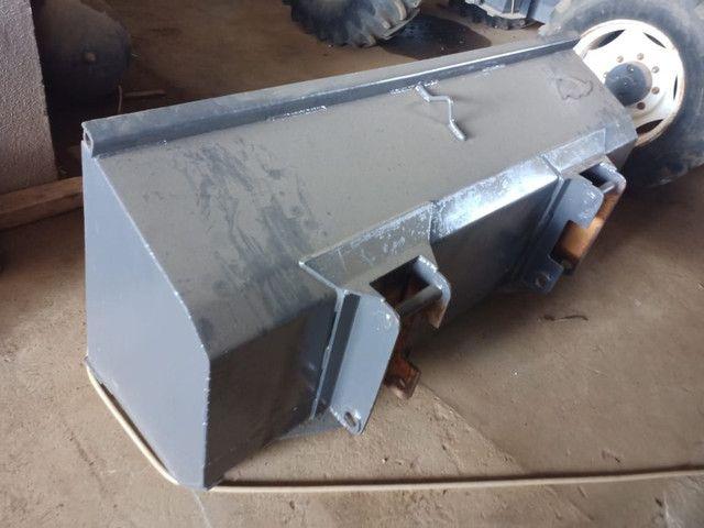 Trator valtra BM 110 lâmina e concha - Foto 4
