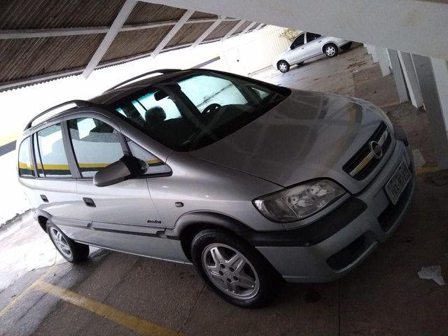 Vendo Zafira, ano 2007, modelo confort, 07 lugares, motor 2.0. - Foto 9