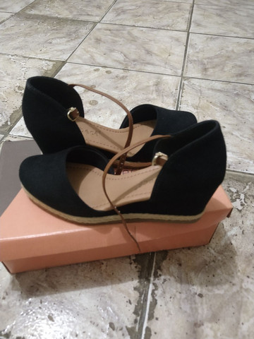Vende-se sapato usado 2 vezes número 35