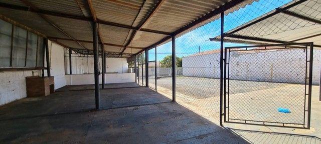 Alugo ou vendo- Barracão com pátio grande, no Jd. Novo Bongiovani em P. Prudente- SP - Foto 6