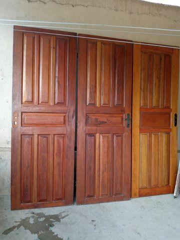 03 Portas de madeira . Usada .01 aduela