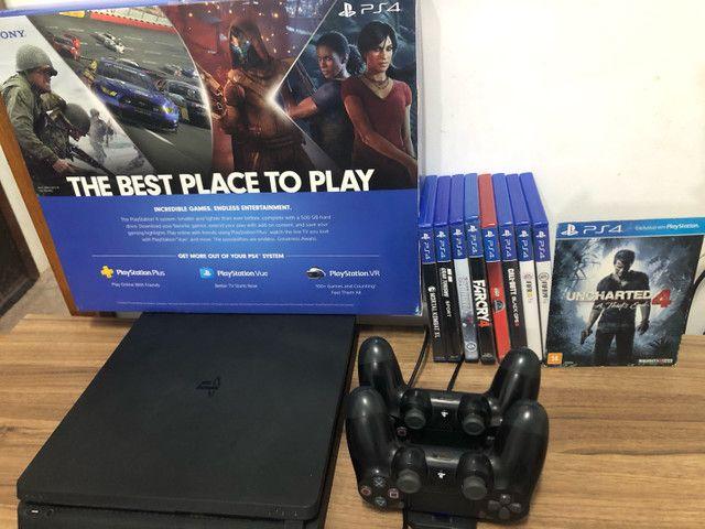 Vendo PS4 - Muito NOVO com 2 controles originais e 8 jogos (físicos) - Foto 3