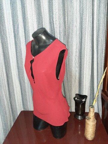 Blusa em Crepe Vermelha NOVA - Tam. M - Foto 6
