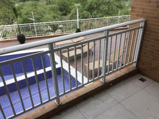 Apartamento com varanda no Centro de Campina Grande