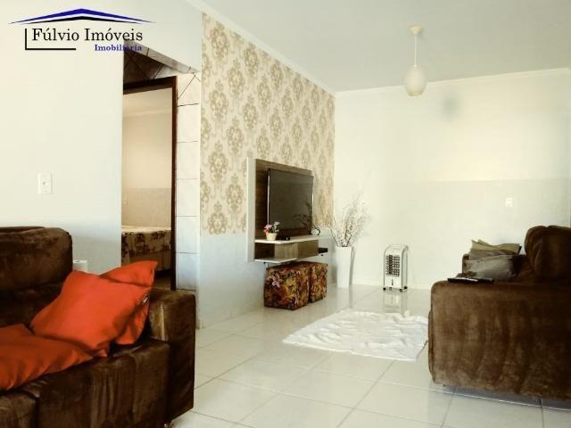 Maravilhosa em condomínio fechado, 1.200m² de terreno, área de lazer e salão de festas - Foto 4