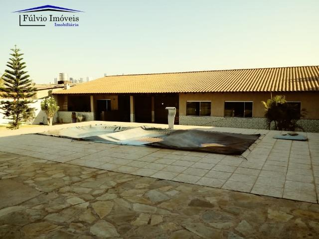 Maravilhosa em condomínio fechado, 1.200m² de terreno, área de lazer e salão de festas - Foto 12
