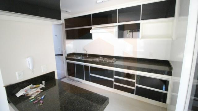 Sobrado - Condomínio Fechado - 3 Qts com Suíte c/ armários na cozinha e cooktop - Foto 4