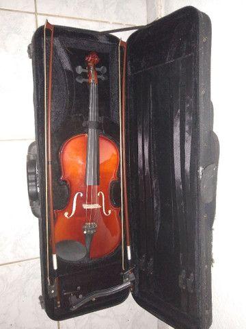 Vendo este violino