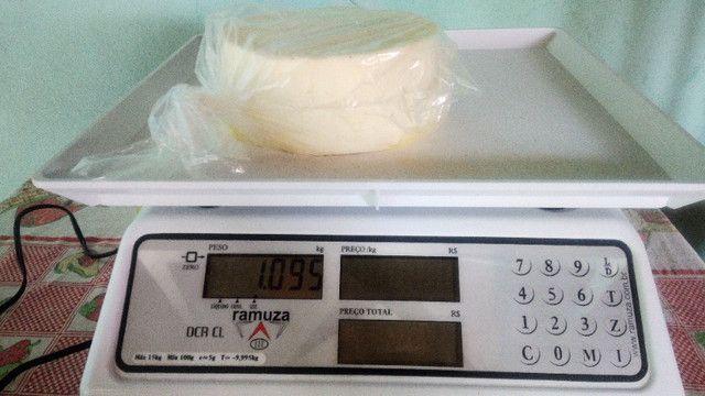Queijo Minas Frescal Padrão Ouro! (em média 1,1kg) - Foto 3