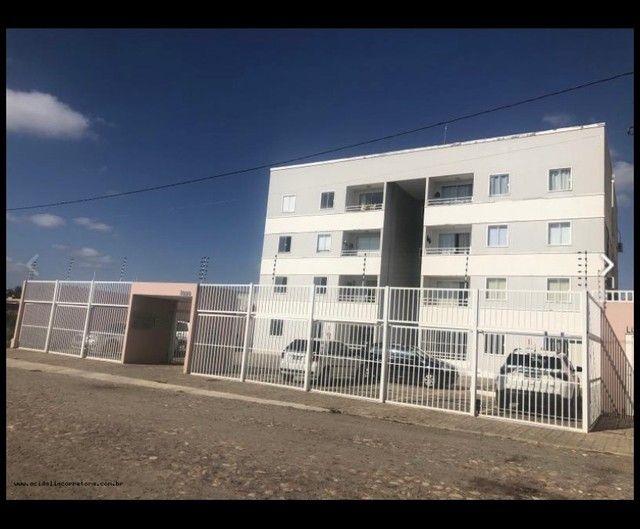 Alugo apartamento no bairro Lagoa Seca.