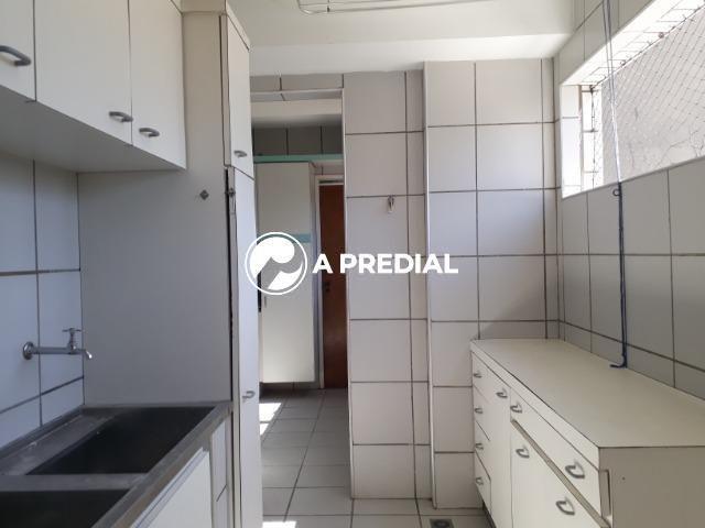Apartamento 3 quartos, a poucos metros da Avenida Desembargador Moreira. - Foto 15