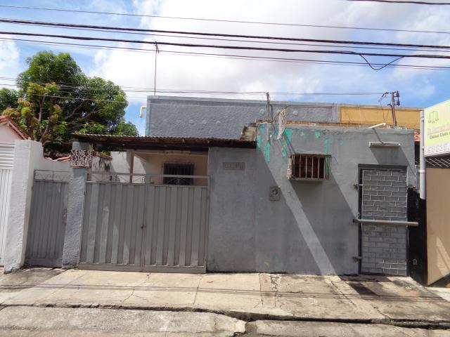 Casa Residencial à venda, 5 quartos, 1 suíte, 1 vaga, Centro - Teresina/PI