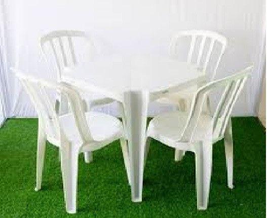 Locação de mesas, pranchões e cadeiras