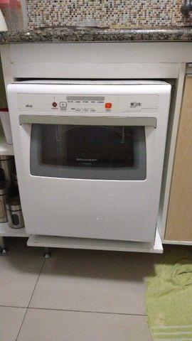 Lava, enxágua e seca louças -Brastemp, usada 1 vez, por R$ 750,00.