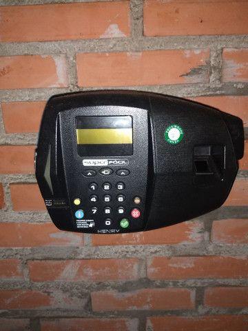 Relógio de ponto biométrico com impressão  - Foto 3