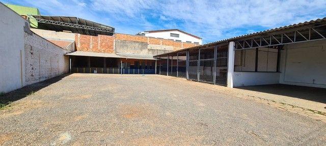 Alugo ou vendo- Barracão com pátio grande, no Jd. Novo Bongiovani em P. Prudente- SP - Foto 3