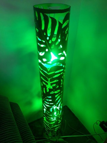 Linda luminária luz verde desenhada costela de Adão artesanal