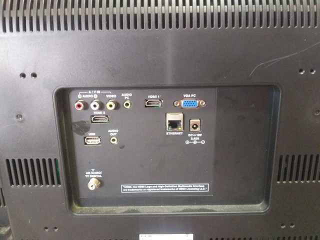 Vendo  TV monitor tv monitor  lcd pv 32 para  retirada de peça  - Foto 2