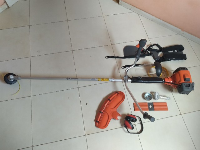 Roçadeira proficional husqvarna 531rs 33,6 cc 1,6hp - Foto 3