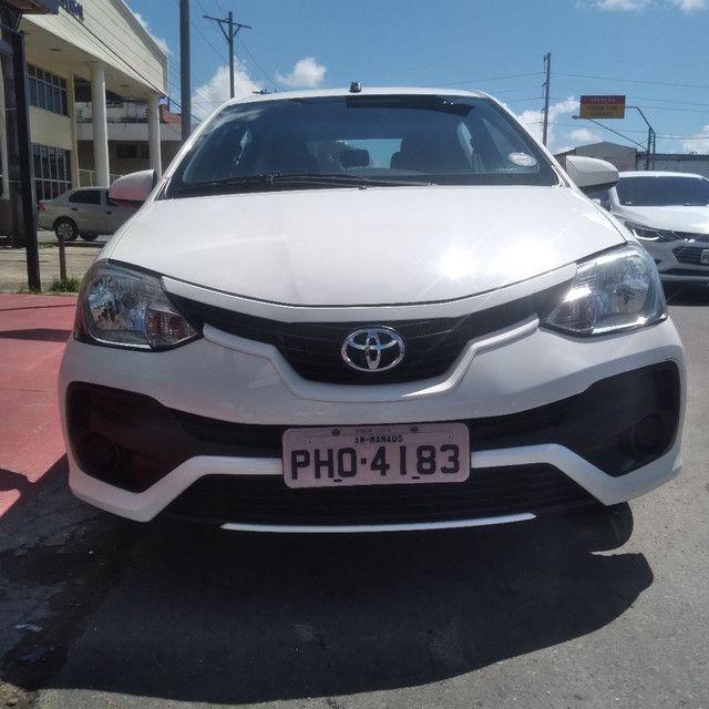 Toyota Etios sedan 1.5 2018 Completo financia se com entrada 15.000