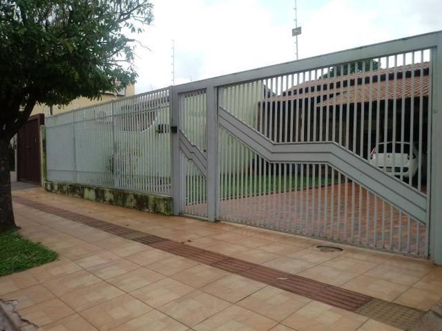 Casa térrea perto do Colegio Militar, Fort Atacadista e Júlio de Castillo