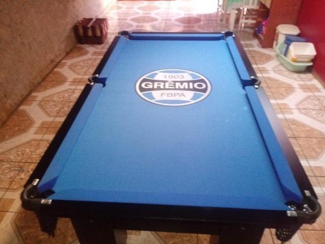 Mesa Quatro Pés Cor Preta Tecido Azul Logo Grêmio Mod. CXED2360