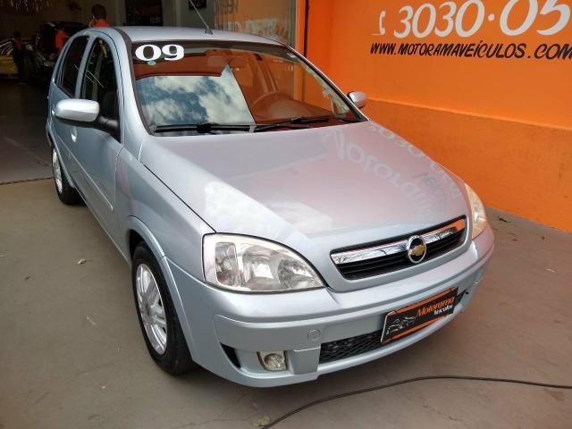 Corsa Hatch 1.4 Premium completo R$19900,00