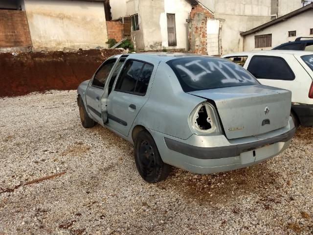 Renault Clio 1.0 16v sedan 2005 Sucata em peças - Foto 17