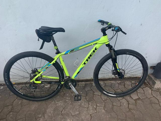 d8b3d6368f899 Bicicleta Trek Marlin 5 Aro 29 usada
