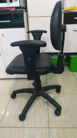 Cadeira de escritório - Material-Moveis - Foto 2