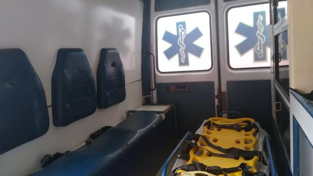 Ambulância Sprinter Básica Completa - Foto 10