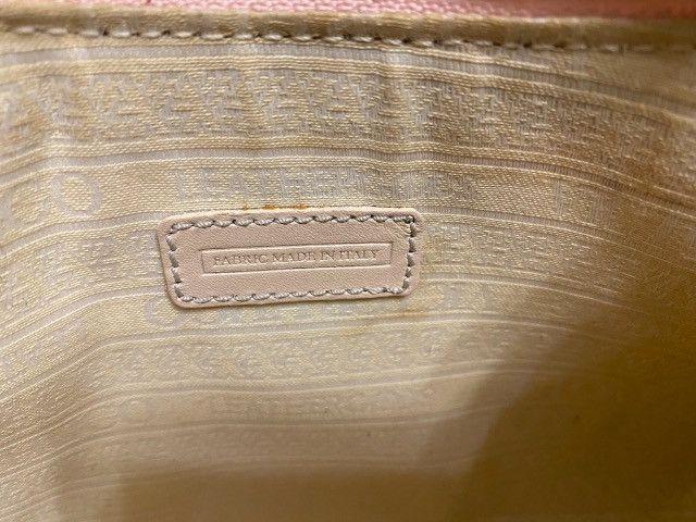 Mini bolsa monograma victor hugo rosa - Foto 4