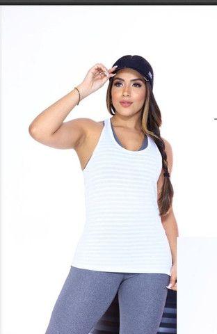 Camiseta e blusinha top - Foto 6