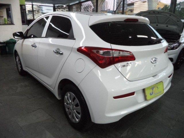 Hyundai HB20 Confort Plus 1.6 16v Flex Mec Completo 2014 Branco - Foto 11