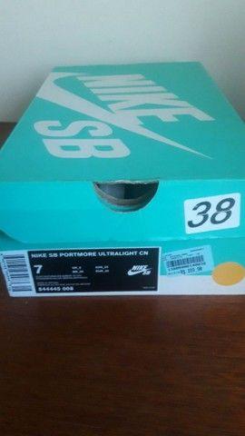 Lindo tênis Nike SB em camurça!  - Foto 3