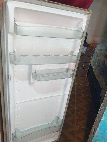 Vendo uma geladeira da consul  - Foto 3