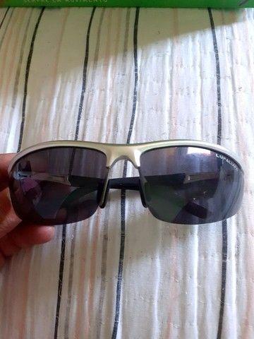 Óculos semi novo valor 80 reais