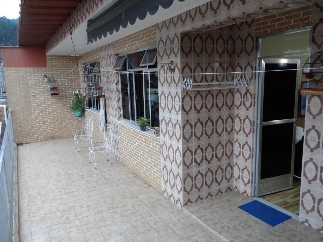 Casa com 2 moradias, 4 vagas e 1 salão de festas no Bairro Castrioto - Foto 2