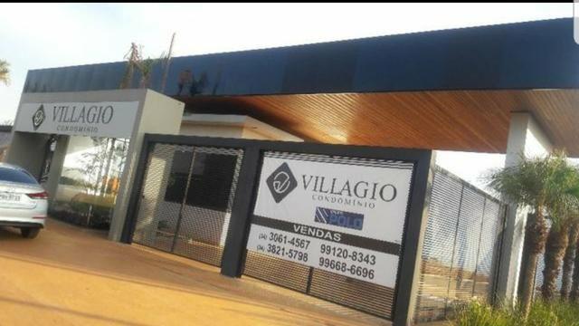 Lote no Condomínio Villaggio 420 mts esquina
