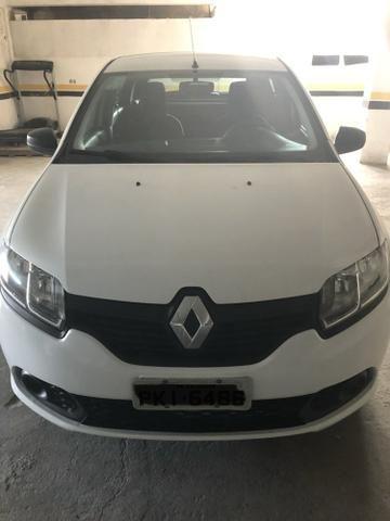Sandero Renault 1.0 AT