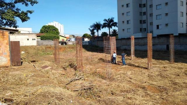 Área com projeto aprovado e fundação pronta para construção de condomínio - Foto 8
